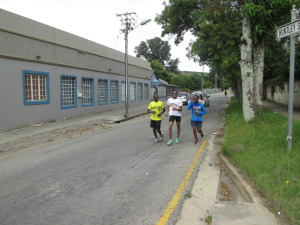 Runners making their way through the course. Photo Credit: Loyiso Gxothiwe.