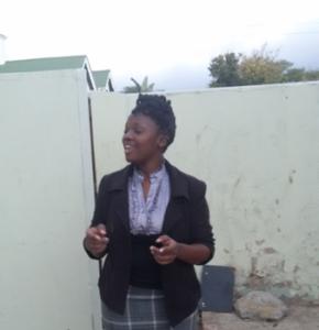 Paula Ngeyakhe talking about difficulties with language at Rhodes University. Photo by Yolanda Mzimela.